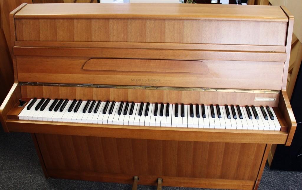 Moore & Moore Gebraucht Klavier Tirol