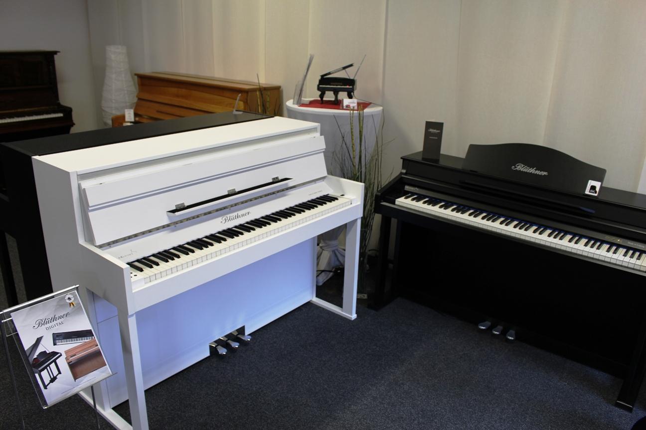 bl thner e klavier 2 piano zifreind tirol klavierverleih. Black Bedroom Furniture Sets. Home Design Ideas