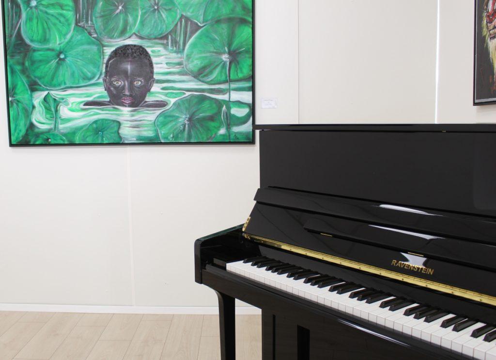 Ravenstein Klavier